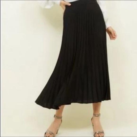 Christopher & Banks Black Pleated Skirt Size 14P